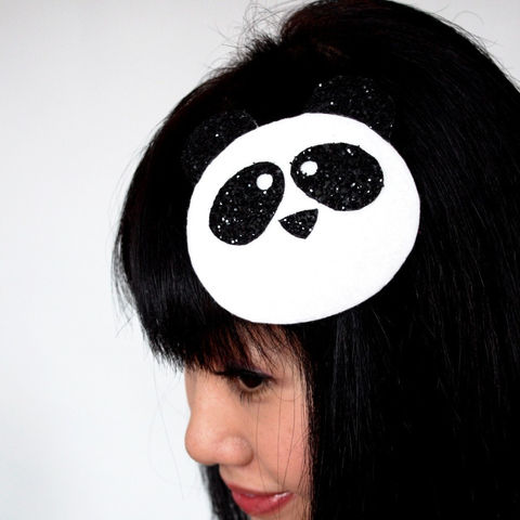 Cute,Panda,Fascinator,with,Black,Glitter,Accessories,Hat,Women,headpiece,fascinator,panda,black_and_white,glitter,cute_animal,kawaii,janine_basil,wholesale,uk,ttt,buckram,felt,glitter_fabric,comb