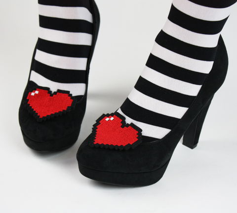 8,Bit,Heart,Shoe,Clips,,Pixel,Hearts,shoe clips, geek, cute