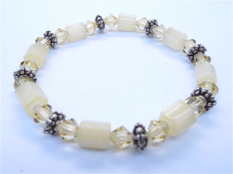 Handmade Pale Yellow Bead Crystal Bracelet Light Lemon Drop Elastic Stretch One Of A Kind OOAK Pastel Young Girl Cute Kawaii Villacollezione - product images  of