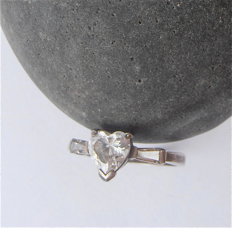 Vintage,Heart,Faux,Diamond,Ring,Crystal,Solitaire,Engagement,Sterling,Silver,Ladies,Size,6,vintage heart faux diamond sterling silver ring, vintage imitation diamond heart ring, vintage cubic zirconia cz heart ring, heart crystal ring, vintage solitaire diamond engagement ring, ladies ring size 6, vintage baguette ring, villacollezione