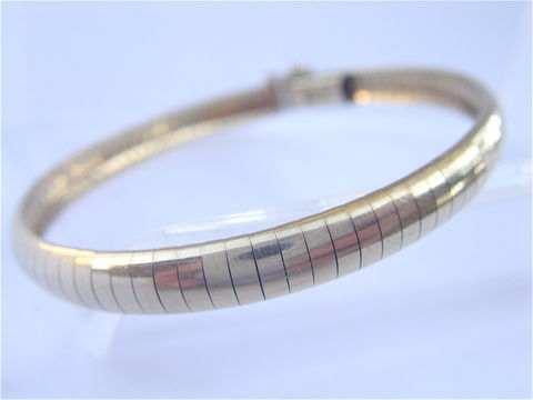 Vintage,14K,Gold,Omega,Link,Bracelet,Genuine,Yellow,Women,Ladies,Classic,Authentic,Italian,Made,Italy,Villacollezione,vintage genuine 14k italian gold omega link ladies bracelet, vintage authentic 14k gold omega single strand bracelet, vintage omega gold bangle, italian gold omega womens bracelet, vintage gold omega bracelet, vintage made in italy gold omega bracelet