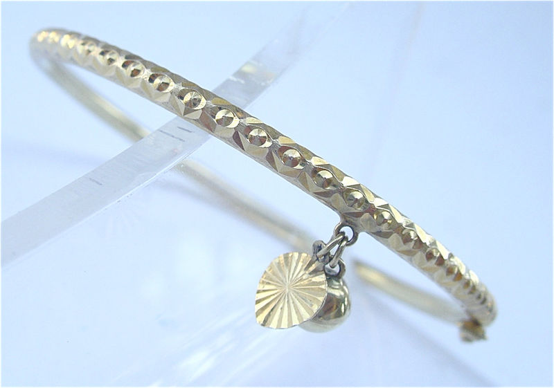 Vintage 23K Thai Gold Baht Bracelet Genuine Bangle Thailand Bell Heart Gold Dangling Dangle Charm Yellow Villacollezione Villa Collezione - product images  of
