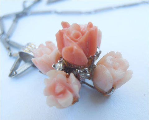 Vintage,Peach,Coral,Diamond,Necklace,Carved,Pendant,14K,White,Gold,Chain,Roses,Flower,Floral,60s,Studded,Villacollezione,Villa,Collezione,vintage carved peach coral flower necklace, vintage coral diamond studded necklace, vintage coral diamond pendant, vintage carved coral roses 14k white gold necklace, vintage carved orange coral pendant, vintage flower coral diamond, white gold necklace