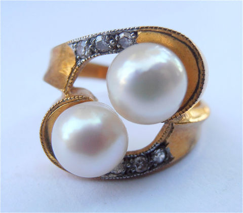 Vintage,Double,Pearl,Ring,Pave,Diamond,Gold,Plate,Wedding,Sterling,Silver,Engagement,Bride,Bridal,Art,Nouveau,Ladies,Size,7.5,vintage double cultured pearl gold plated ring, vintage pave diamond ladies gold plated ring, vintage diamond pearl bride bridal ring, vintage white cultured pearl sterling silver ring, vintage art nouveau pearl diamond ring, pearl ladies ring size 75