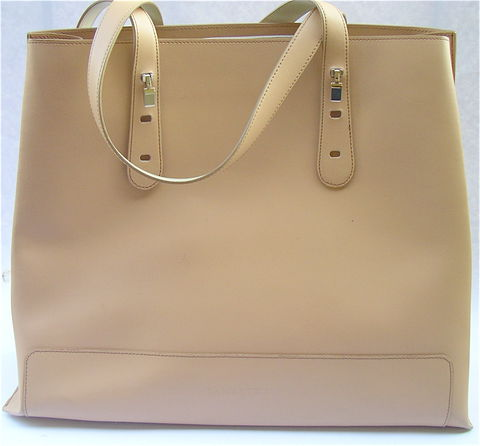 Handbag,Lamarthe,Paris,Versatile,Pre-Owned,lamarthe purse, lamarthe toiletry bag, lamarthe leather bag, lamarthe versatile handbag, lamarthe paris bag, cream colored larmarthe bag, designer bag, signature bag