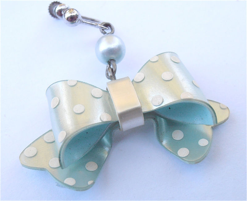 Vintage Mint Green Dangling Earring 70 Kawaii Japanese White Polka Dot Light Pastel Green Ribbon Bow Lolita Villa Collezione Villacollezione - product images  of