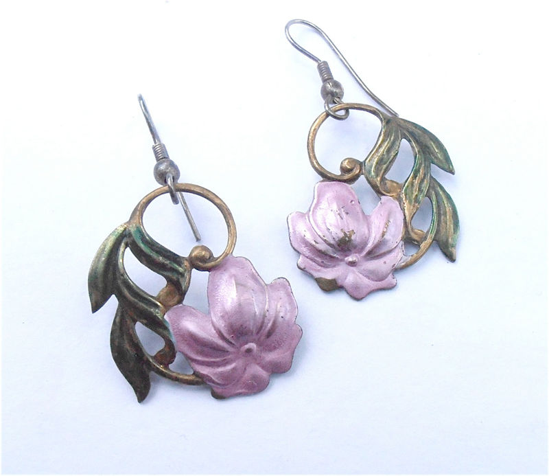 Vintage Pink Flower Leaf Dangling Earrings Mauve Floral Green Leaves Dangle Embossed Copper Earrings Villa Collezione VillaCollezione - product images  of