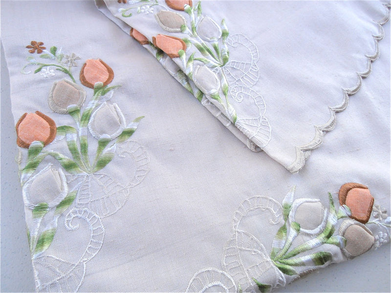 Vintage Floral Embroidered Linen Tablecloth Vintage Beige Tablecloth Peach Embroidered Tablecloth Beige Table Cloth Flower Embroidery Linen - product images  of