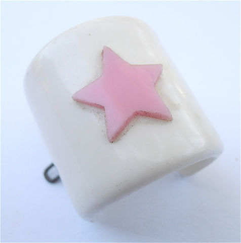 Vintage,Pink,Star,White,Ponytail,Holder,Hair,Accessory,Acrylic,Japanese,Kawaii,Japan,Barrette,Villacollezione,Villa,Collezione,vintage pink star white pony tail holder, vintage white acrylic ponytail holder, vintage pink pony tail holder, vintage white acrylic ponytail, vintage japanese kawaii white plastic hair accessory, vintage ponytail holder, cute pink white ponytail
