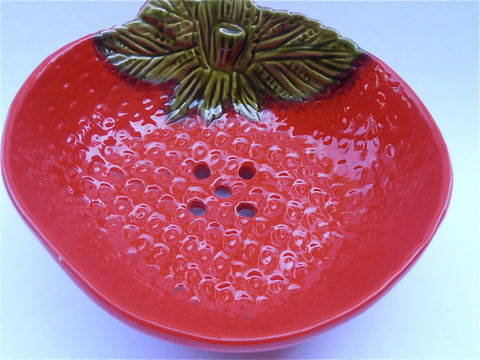 Vintage,Red,Colander,Strainer,Ceramic,Bowl,Strawberry,Plate,Dis,vintage red ceramic strawberry tray, vintage red strawberry plate, strawberry red serving bowl, vintage red ceramic colander, serving red dish, villacollezione, villa collezione, vintage red green plate strainer, fruit red bowl