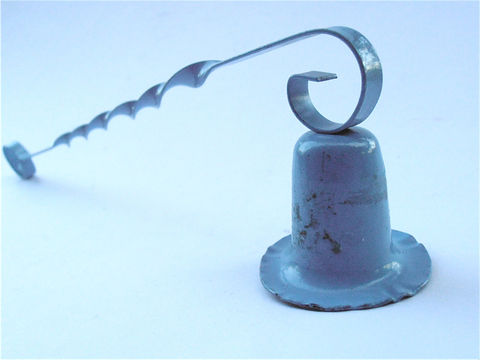 Vintage,Blue,Shabby,Cottage,Chic,Snuffer,Metal,Twisted,Handle,Candle,Light,Style,Cornflower,Villacollezione,Villa,Collezione,vintage blue cornflower snuffer, vintage metal blue twisted handle snuffer, vintage blue twisted handle snuffer, vintage cottage chic shabby blue snuffer, vintage shabby style blue snuffer, cottage rustic farmhouse style snuffer, villacollezione