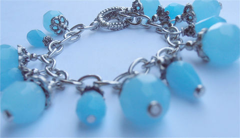Handmade,Blue,Turquoise,Bracelet,Crystal,Bead,Swarovski,Elements,Dangle,Persian,Silver,Plated,blue topaz crystal bead bracelet, faceted blue crystal bracelet, blue crystal dangling bracelet, sagittarius december, blue dangle bead bracelet, swarovski blue bead bracelet, turquoise blue crystal bracelet, persian blue bracelet, blue bead bracelet