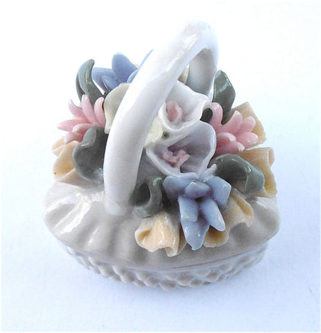 Vintage,Pink,Heart,Box,Hobnail,Porcelain,Trinket,White,Ceramic,Pastel,Flowers,Floral,Case,Souvenir,Jewel,Jewelry,Pottery,Shabby,Cottage,Chic,vintage pastel pink floral heart hobnail box, vintage pastel color flowers heart porcelain box, vintage flower heart ceramic box, vintage heart white porcelain ceramic box, vintage shabby cottage chic floral heart souvenir box, hobnail white ceramic box