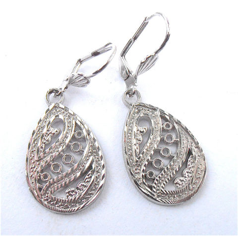 Vintage,Teardrop,Filigree,Earrings,Silver,Tone,Dangling,Dangle,Jewelry,Costume,Jewellry,Lace,Etch,Egg,Shape,Engrave,Texture,Villacollezione,vintage teardrop filigree earrings, vintage silver tone teardrop earrings, vintage silver lace earrings, vintage textured dangling earrings, vintage egg silver earrings, vintage etched egg earrings, vintage engraved teardrop egg earrings, villacollezione