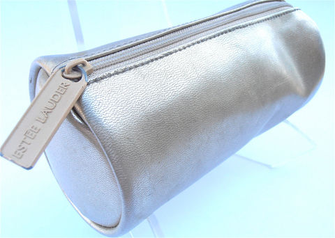 Vintage,Gold,Bag,Clutch,Metallic,Estee,Lauder,Purse,Cosmetic,Makeup,Designer,Toiletries,Pouch,vintage estee lauder gold metallic bag, vintage estee lauder makeup bag, gold faux leather purse, vintage gold makeup bag, gold formal evening bag, gold metallic clutch bag, gold cosmetic bag, makeup designer bag, designer gold clutch, gold tube bag