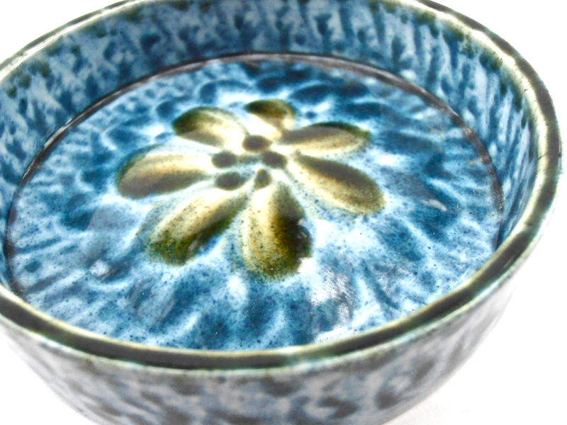 Vintage Blue Green Pottery Dish Tray Portmadoc Wales Round Serving Relish Saucer Porthmadog Cymru Ceramic Small Flower Floral Condiment - product images  of