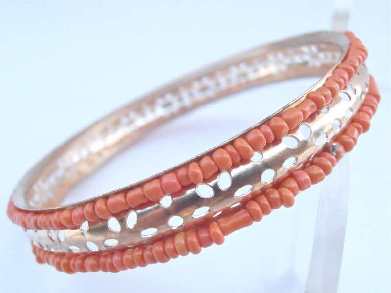 Vintage Faux Coral Gold Tone Bracelet Tiny Seed Peach Beads Bangle Stackable Orange Petals Pin Holes 8.25 Inches Orange Tangelo Tangerine - product images  of
