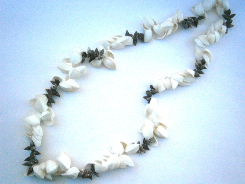 Vintage Natural White Ark Shell Lei Hawaiian Cluster Seashells Rhinoclavis Tiny Brown Spiral Pointy Tropical Beach Wedding Luau Graduation - product images  of