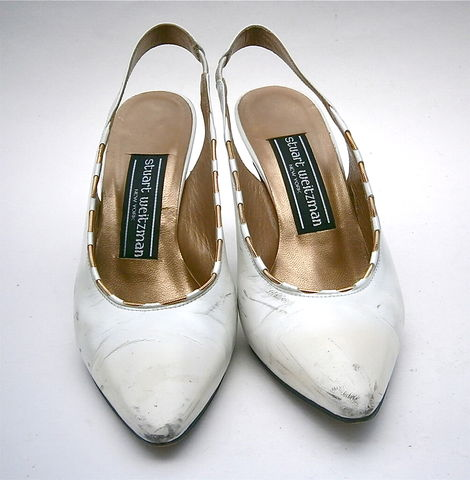 Vintage,White,Satin,Ladies,Shoes,All,Leather,Flared,High,Heels,Stuart,Weitzman,Slingbacks,Gold,Trim,Pumps,Women,Size,5B,Props,Wedding,Bride,vintage white satin all leather wedding bride shoes size 5b, vintage stuart weitzman designer white leather pumps slingbacks shoes, vintage white satin gold womens size 5b, vintage white leather womens shoe size 5b, white slingback pumps flared high heels