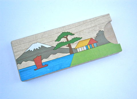 Vintage,Mt,Fuji,Trick,Box,Puzzle,Wooden,Disappearing,Coin,Japanese,Koyosegi,Magic,Penny,Toy,Kid,Children,Boys,Girls,Landscape,Painted,Case,vintage mt fuji box penny trick wooden box, mt fuji puzzle coin box, vintage japanese penny box, vintage koyosegi box, vintage magic penny box, japanese toy box, vintage disappearing penny puzzle box, vintage boy girl toy box, japanese trick puzzle box