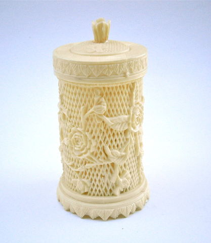 Vintage,Faux,Ivory,Toothpick,Holder,Flower,Plastic,Appetizer,Miniature,Forks,Hors,d'oeuvres,Vanilla,Asian,Serving,Cocktails,Canister,Buffet,vintage faux ivory chinese toothpicks, vintage faux ivory carved plastic canister, vintage toothpick flower plastic case, vintage faux ivory appetizer fork, faux ivory miniature cocktail forks, vintage serving mini forks, vintage ivory hors doeuvres forks