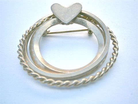 Vintage,Three,Ring,Brooch,Gold,Tone,Twisted,Shiny,Wreath,Overlapping,Round,Circles,Infinity,Love,Cupid,Valentine,Eternal,Forever,Symbol,Pin,vintage three ring gold tone heart brooch, vintage twisted rope love pin, vintage wreath heart brooch, venn diagram brooch, infinity love brooch, gold cupid valentine brooch pin, vintage eternal love symbol brooch, forever love brooch, eternal love brooch