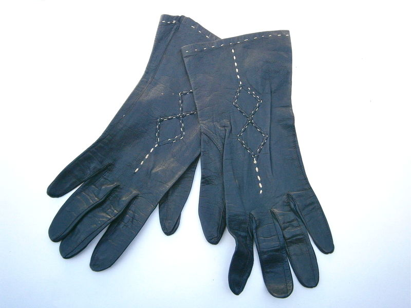 Vintage Black Ladies Leather Gloves Size 6.5 Butter Soft Black Hand Wrist Length White Stitching Diamond Square Mid Century Fashionable Chic - product images  of