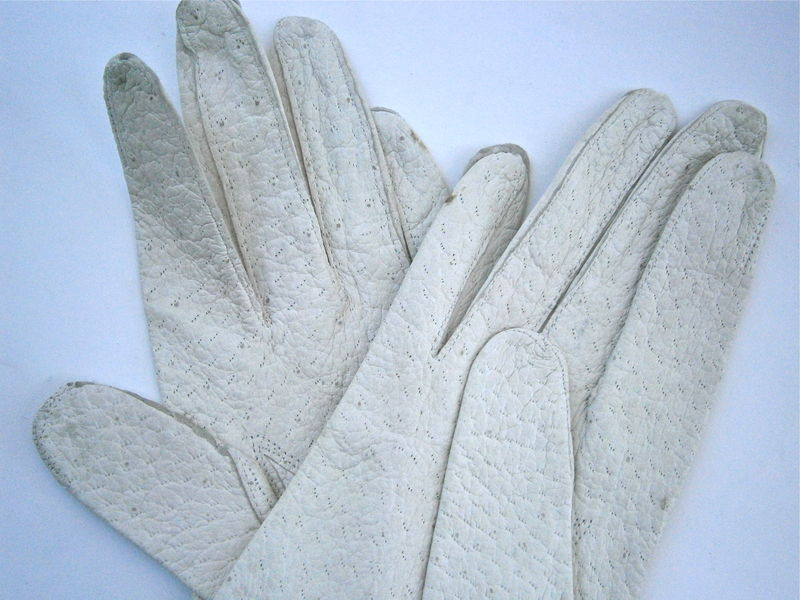 Vintage Mid Century Off White Ladies Gloves Soft Winter Gloves Size 6 Stitching Peccary Pigskin Washable Wrist Length Table Cut Textured 60s - product images  of