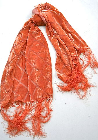 Vintage,Orange,Red,Scarf,Velvet,Velveteen,Fringes,Rectangular,Autumn,Fall,Colors,Diamond,Square,Diagonal,Idea,Nuova,Sheen,Geometric,Lines,vintage red orange velvet rectangular scarf, orange red sheen scarf, orange velvet scarf, orange velveteen rectangular scarf, red orange fringed scarf, vintage autumn fall scarf, orange diamond square scarf, orange diagonal line scarf, idea nuova scarf