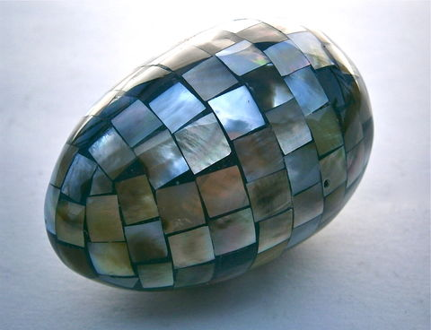 Vintage,Abalone,Paua,Egg,Mosaic,Faceted,Figurine,island,Beach,Nautical,Luminous,Textured,Inlaid,Inlay,Decorative,Ornamental,Rare,One,Of,Kind,vintage luminous abalone mosaic egg, rare vintage paua mosaic egg, multifaceted inlaid shell egg, island beach egg, vintage nautical decorative abalone egg figurine, vintage beach paua egg statue, decorative abalone inlay egg, ornamental paua shell egg
