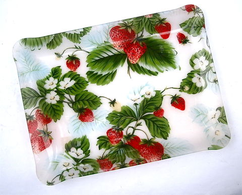 Vintage,Strawberry,Rectangular,Tray,Platter,Red,Green,Fruit,Acrylic,Lucite,Large,Serving,Plate,Entrée,Appetizer,Picnic,Kitchen,Event,Party,vintage strawberry acrylic large rectangular tray, 17 x 12 inch plastic tray, red strawberry plate, red green serving dish, strawberry rectangle platter, strawberry chip tray, strawberry nut tray, strawberry patch dessert platter, strawberry summer plate