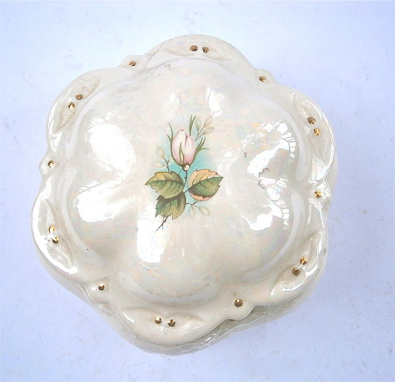 Vintage Aurora Borealis Ceramic Box Rose Floral Round Beige Carnival Luster Iridescent Decorative Jewelry Pottery Junk Scallop Removable Lid - product images  of