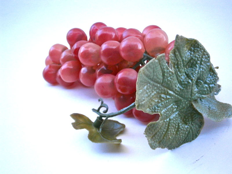 Vintage Cluster Red Grape Plastic Fruit Display Décor Table Setting Centerpiece Bunch Island Wedding Bowl Vine Cascading Harvest Fall Autumn - product images  of