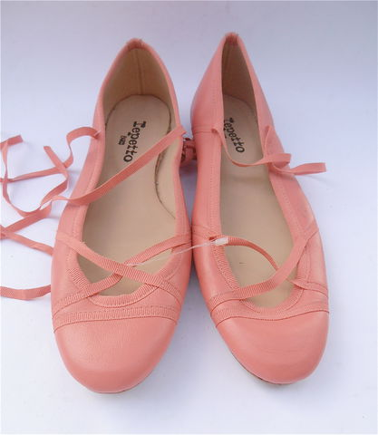 Repetto,Ballet,Shoes,Flats,Slippers,Peach,Coral,Grosgrain,Ribbon,New,Size,8.5,peach repetto ballet shoes, ballet flats, villa collezione, ballet slippers, ballet size 39, coral repetto ballet flats, repetto ballet shoes size 8, ballet shoes size 9, French ballet shoes, peach grosgrain ribbons, ooak repetto shoes, repetto shoes, tie