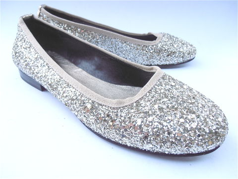 Glitter,Ballet,Flats,Shoes,Confetti,Dorothy,Sparkle,New,Ladies,Size,7.5,Ballet flats, glittery white gold metallic flats, Italian glitter shoes, villa collezione, Lavorazione Artigiana, Italian made shoes, glitter, confetti shimmering shoes, gold silver metallic shoes, all leather Italian shoes, confetti shoes, glam fab ladie