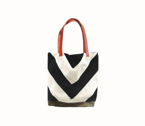 Chevron,Tote,City,Market,w/,Leather,Straps,in,Black,Bags_And_Purses,canvas_tote,leather_tote,chevron,military,utility,cream,olive,leather,antique brass,canvas