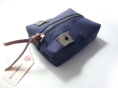 Center,Zip,Waxed,Canvas,Pouch,-,Navy,waxed,canvas,leather,gadget,case,organizer,brass,navy