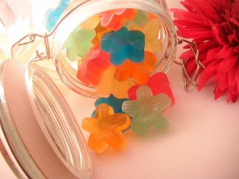 Jasmine,St.,Jar,of,Daisies,Soap,Bath_and_Beauty,Glycerin,body,fragrance,soap,glycerin,vegan,colorful,flower,new_orleans,herbndevelopment,herbn_development,single_use,Gift,Christmas,glycerin_base,vitamin_e,sweet_almond_oil,colorant,fragrance_oil,Coconut_oil