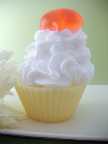 Sweet,Heart,Vanilla,Buttercream,Cupcake,Soap,bath_and_beauty,bath,body,fragrance,soap,glycerin,cupcake,new_orleans,herbndevelopment,herbn_development,gift,party_wedding_favor,white,vanilla,goats_milk_base,shea_butter,vegetable_glycerin,sweet_almond_oil,vitamin_e,colorant,fragrance_oil