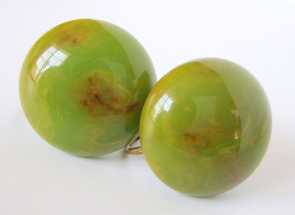 Bakelite Button Earrings Spinach Green - product image