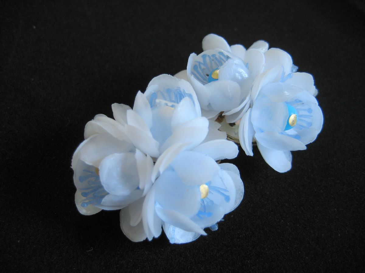 Vintage Plastic Flower Earrings 1950's - product images  of