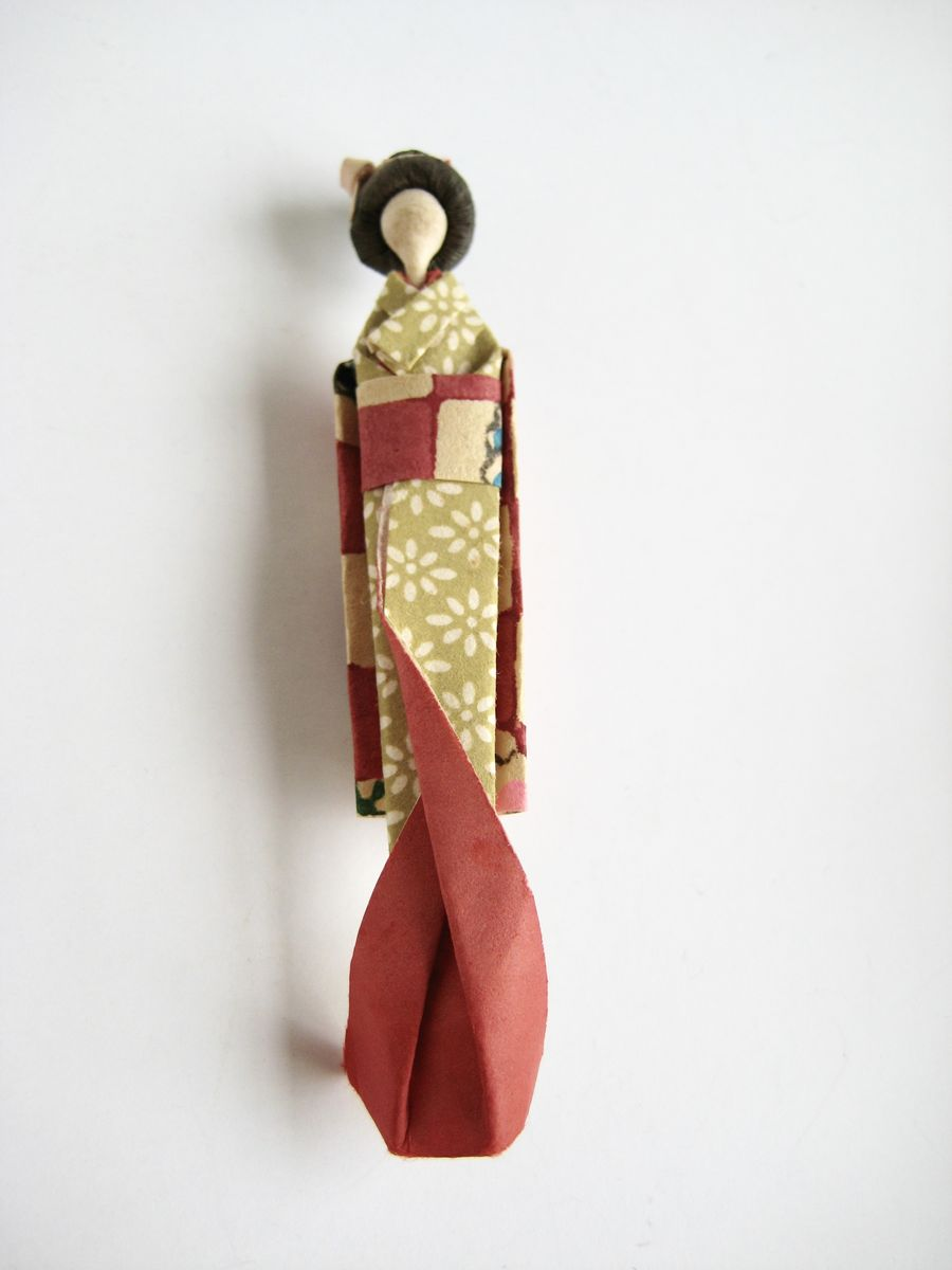 Origami Geisha Doll Miniature in box - product images  of