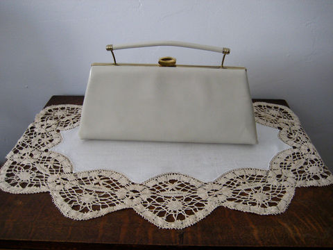 1960's,Leather,Clutch,Purse,by,Leon,of,California,Vintage,Bags and Purses,Madmen Style,Vintage purse,Leather clutch,Leon of CA,cream clutch purse,Drop handle bag,Ecru leather clutch,leather handbag,clutch purse,classic handbag,tan leather bag,bags and purses,1960s purse,leather,satin lining