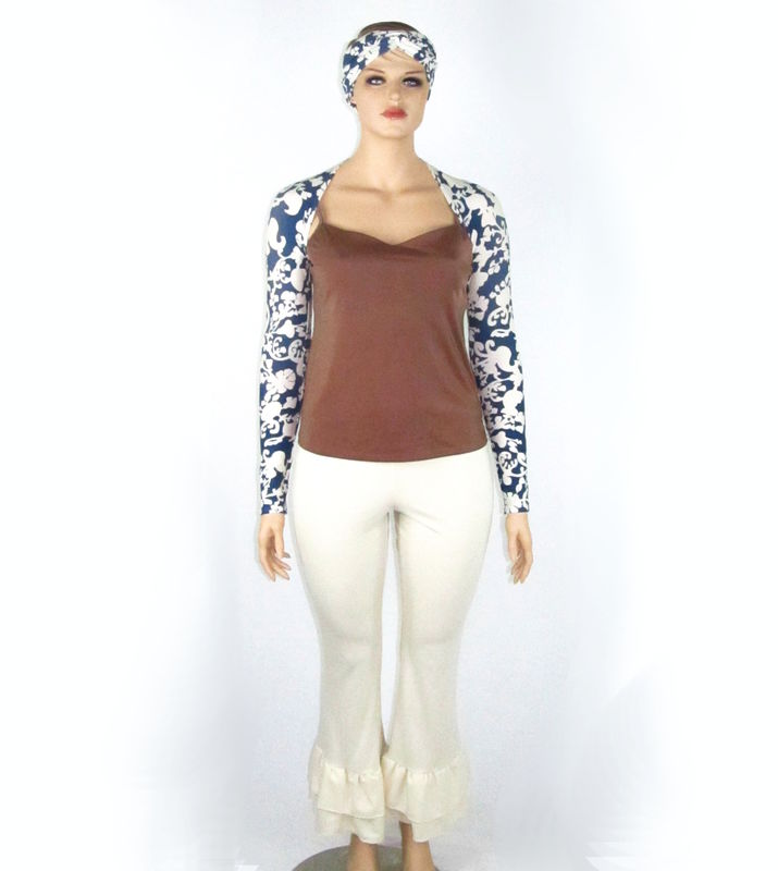 Bamboo Clothing Companies House: Kobieta Blue & Cream Scrolling Print Yoga Shrug With
