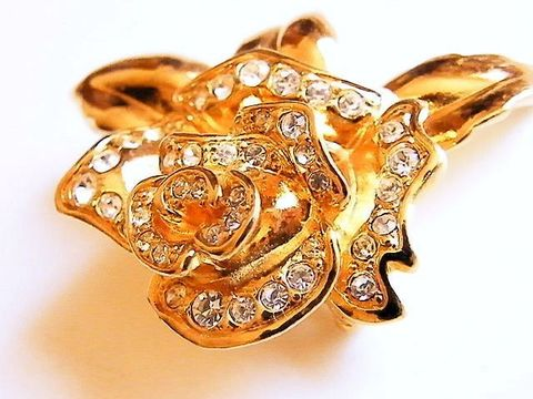 Vintage,Avon,Glam,Sparkle,Rose,Brooch,Rhinestone,Covered,,Gold,Tone,Jewelry,flower,molded,rhinestone,white,clear_rhinestones,sparkle,gold,glam,holiday_jewelry,designer_signed,rose_brooch,avon_signed,lavish_detail,tone,metal,clear,rhinestones