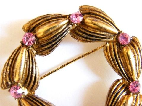 Vintage,Rhinestone,Brooch,Tulip,Flower,Buds,in,a,Circle,Jewelry,rhinestones,circle,flowers,tulip,antiqued,pastel_pink,goldtone,floral,spring_summer,pink_rhinestones,woodland,fashion,tulip_brooch,metal