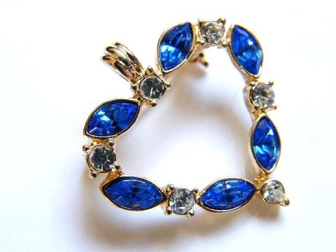 Vintage,Brooch-Pendant,Sapphire,Blue,,Crystal,Rhinestones,,Gold-Tone,Heart,heart,rhinestones,silver,pin,holiday_jewelry,december_birthday,valentine,sapphire_blue,heart_brooch,vintage_valentine,sparkle_glam,high_fashion,crystal_stones,tone,metal