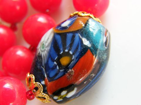 Vintage,Red,Bead,Necklace,with,Ceramic,Glazed,Focal,Bead,,Mod,Design,Jewelry,choker,red,beads,ceramic,heart_spring_ring,orange,yellow,blue,white,necklace,vintage,mod_design,abstract,plastic,ceramic_glazed_bead