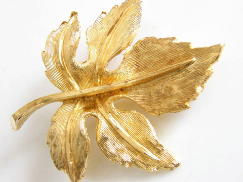Vintage,Fall,Autumn,Woodland,Maple,Leaf,Brooch,Jewelry,Leaf_brooch,maple_leaf,gold,autumn_fall,holiday,traditional,textured_finish,leaves,woodland,autumn_leaf,winter