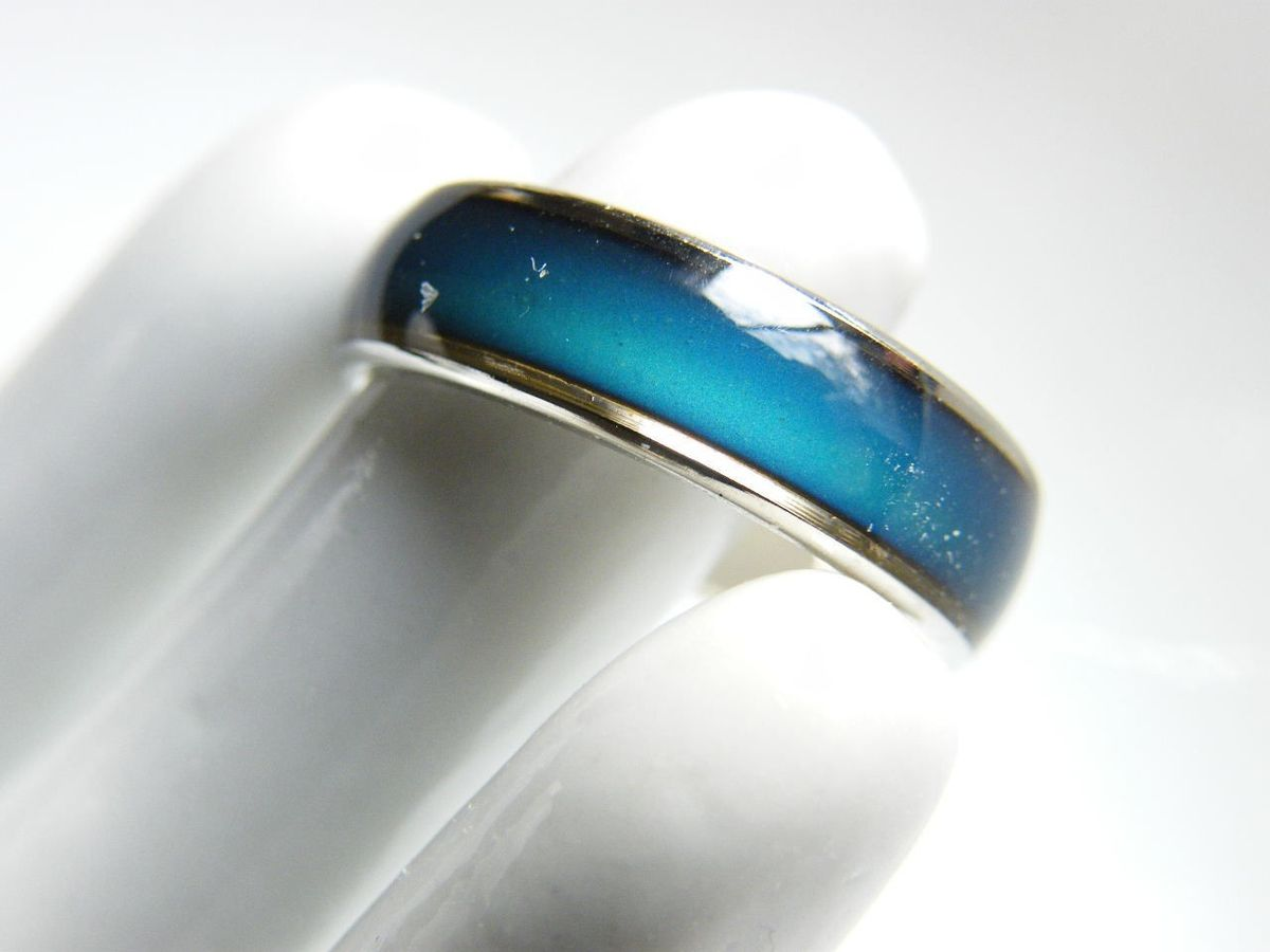 vintage simple ring silver tone shiny neon blue enameled
